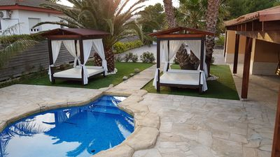 Photo for VILLA WITH PRIVATE POOL AND GARDEN HUTTE-002089-77