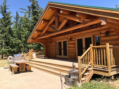 Photo for Well appointed cabin with views on 20 acres, minutes from Cle Elum & Roslyn