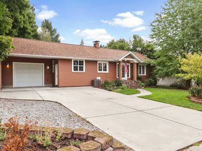 Photo for Centrally located cottage in downtown Coeur d'Alene w/large patio - dogs ok!