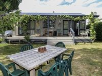 Great bach close to the beach, very tidy and modern with great...