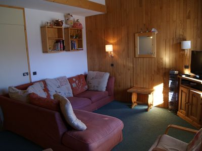Photo for 2 bedroom/2 bathroom, sleeps 8. Ski in/out next to ski school, shops/restaurants