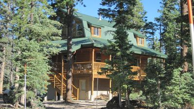 Red Pines Lodge sits in a forest of tall Ponderosas, aspens, and firs