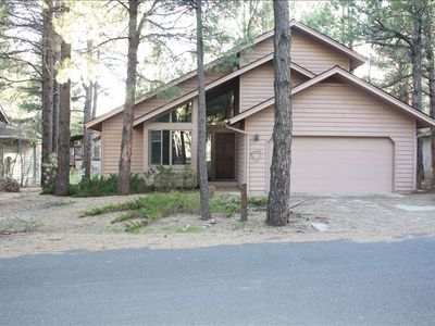 Pines Cottage located in center of Forest Highlands Golf Club