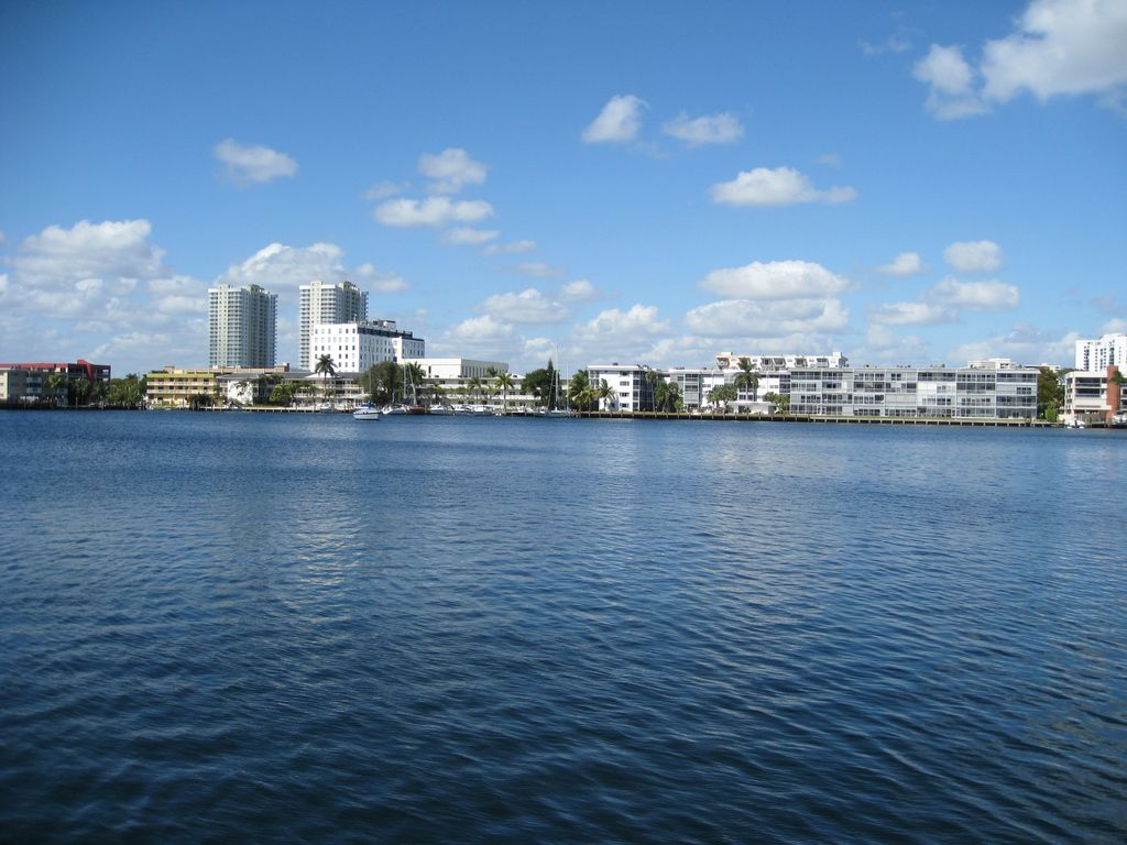 A Wonderful Condominium Hallandale Beach Florida On Crystal Lake - Florida map hallandale
