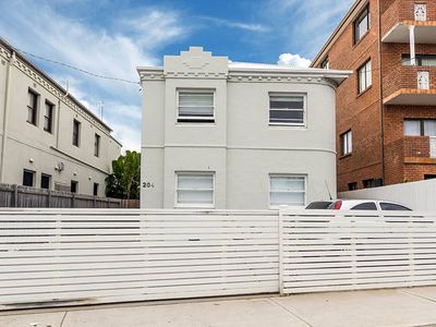 Photo for Coogee Summer Special in 3 bedroom apartment can sleep 5