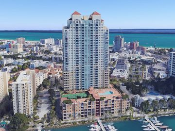 Yacht Club: Fully-Renovated Ocean-Facing Unit w/Tennis/Pool/Gym/Jacuzzi