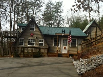 "Photo for The Diamond ""B"" a Cozy Cabin Retreat - Not far from Pigeon Forge and Gatlinburg."