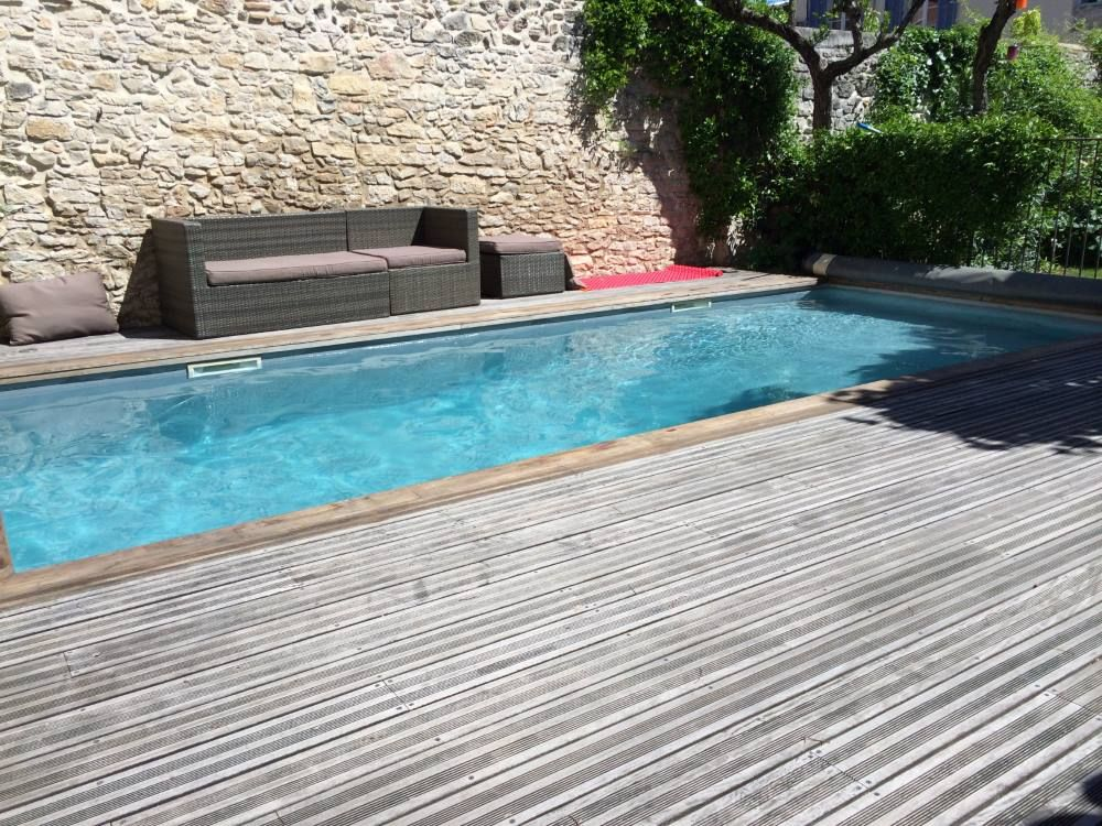 Maison de caract re piscine et jardin au calme absolu for Piscine nimes
