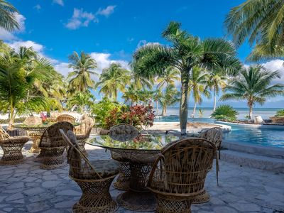 Photo for Escape  to paradise in this 1 bedroom beachfront condo