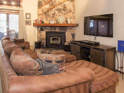 Photo for Spacious condo on Shuttle Route, Close to Shops *WiFi, Shared Hot Tub, Sauna*