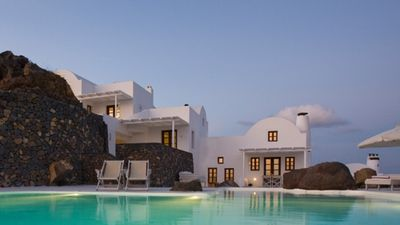 Photo for Small villas with pool and caldera views