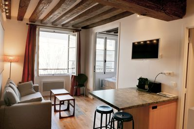Apt. COSY3 - Latin Quarter - Paris - Bedroom1 is accessible from the living room