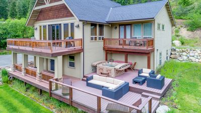 Big Views at Crest View Lodge! Up to 33% Off! Hot Tub | Game Room