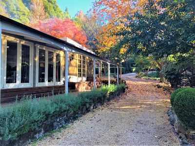 Mount Tomah Huntington Lodge - Hamptons styled hideaway - peaceful & idyllic