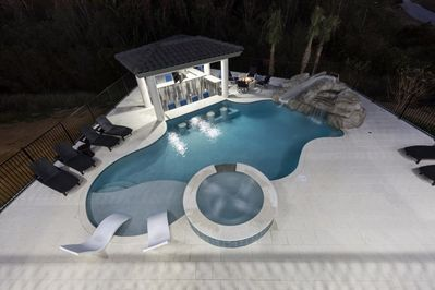 Swim up bar! Water slide and jacuzzi!!