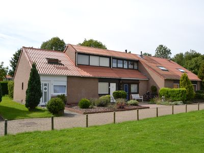 Photo for Cozy cottage on Grevelingenmeer