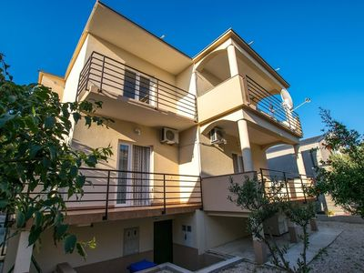 Photo for Apartment 190 m from the center of Starigrad with Air conditioning, Parking (648480)