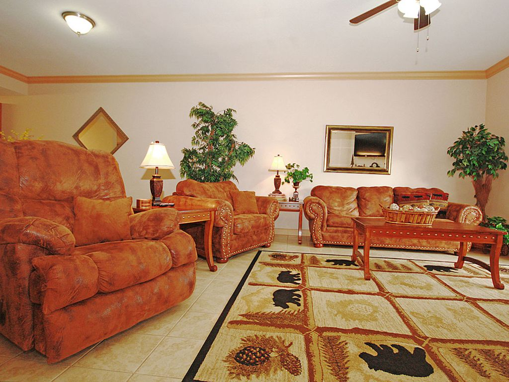 Newly Furnished 2 Bedroom 2 Bath Condo On Parkway In Pigeon Forge Pigeon Forge Sevier County