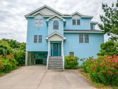 Photo for 6 Bedroom Beauty Close to Beach