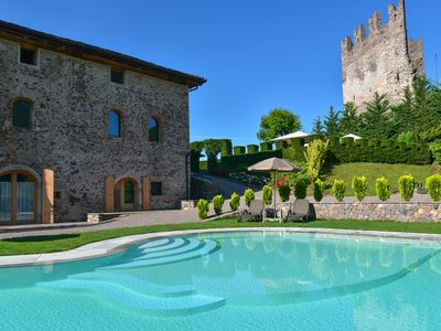 Photo for Relax in nature in the whole Villa with swimming pool surrounded by vineyards.