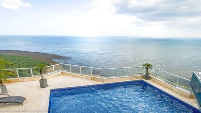 Photo for Luxurious apartment in Panama City with view