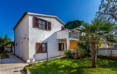 Photo for Holiday home with a beautiful terrace, 2 bedrooms, kitchen, bathroom, air conditioning, terrace and barbecue