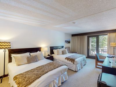 Photo for Room on 2nd floor w/ gym, shared outdoor pool, 24-hour front desk, balcony