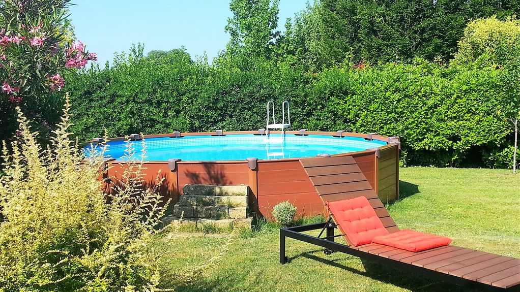 Villa with private garden swimming pool and external for Heated garden swimming pools