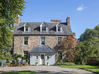 Photo for Centrally located luxury self catering accommodation Aviemore