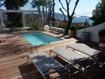 BEAUTIFUL HOUSE OF CONTEMPORARY CHARM ON THE CORNICE SEA AND SWIMMING POOL,