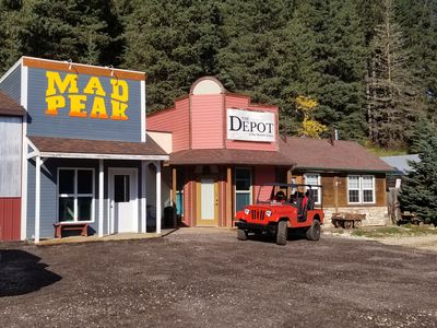 The Depot at Mad Peak/Mad Mountain Lodging