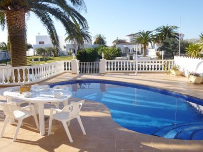 Photo for Amazing Villa in Empuriabrava with Swimming Pool