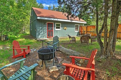 Welcome to 'Creekside Cottage'  -  a peaceful Ouray vacation rental cabin!