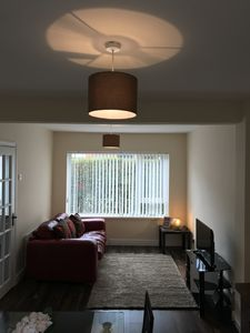 Photo for Stunning Townhouse 5 mins to Titanic & SSE arena. Free parking