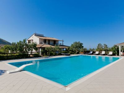 Photo for Villa with private pool and many leisure facilities