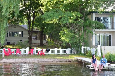 Enjoy your lakefront 10 person house located right on Lake Delton.