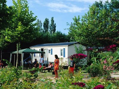 Photo for Camping Les Rives du Luberon **** - Bungalow Air-Conditioned Rooms 3 4/6 People