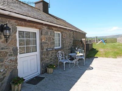Photo for Walking Distance to a long, Sandy Beach on the Llyn Peninsula - Games Room on site.