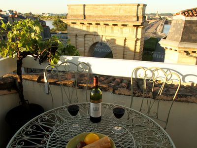 Photo for Bordeaux Terrace - spectacular view in historic centre (Elevator)