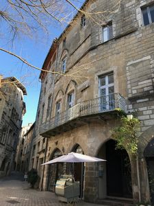 Photo for Three bed apartment in townhouse perfectly situated on town square