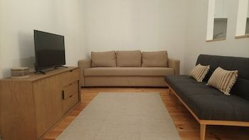 Photo for Stunning Apartment With Yard in Alfama