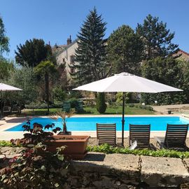 The Secret Garden Beaune, charming cottage with pool in the heart of Beaune
