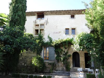 Photo for Beautiful house of the 17th century, renovated, 6 bedrooms, 5 bathrooms, pool, gardens