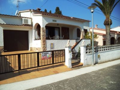 Photo for House with community pool for 4 people. L'Escala