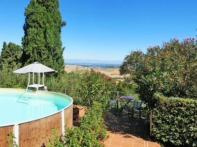 Photo for Cosy apartment in villa for 3 guests with WIFI, pool, TV, balcony, pets allowed and parking