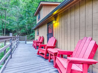 Photo for Dog-friendly cabin w/private hot tub, foosball & wrap-around deck!