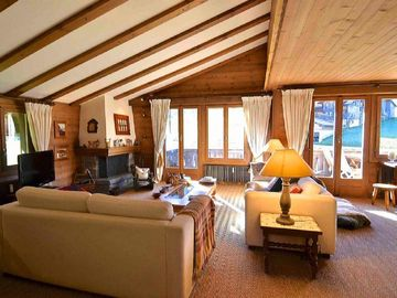 Beautifully furnished duplex apartment in Gstaad