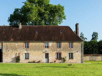 Photo for Newly Renovated Countryside Farmhouse
