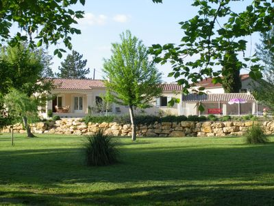 Photo for Mazan holiday villa with private swimming pool on 3000m