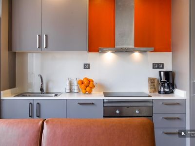 Photo for Friendly Rentals The Music II Apartment in Barcelona